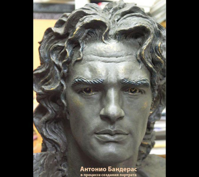 Antonio-Banderas-900x8002