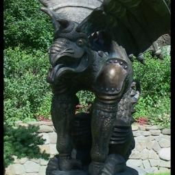 Химера с крыльями (в парке)