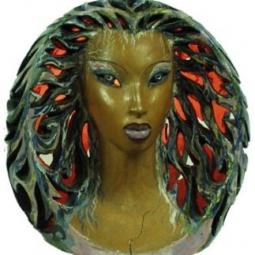 Женская голова- светильник